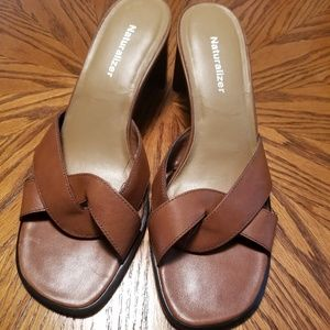 Naturalizer Brown Strap Leather chunky Heels